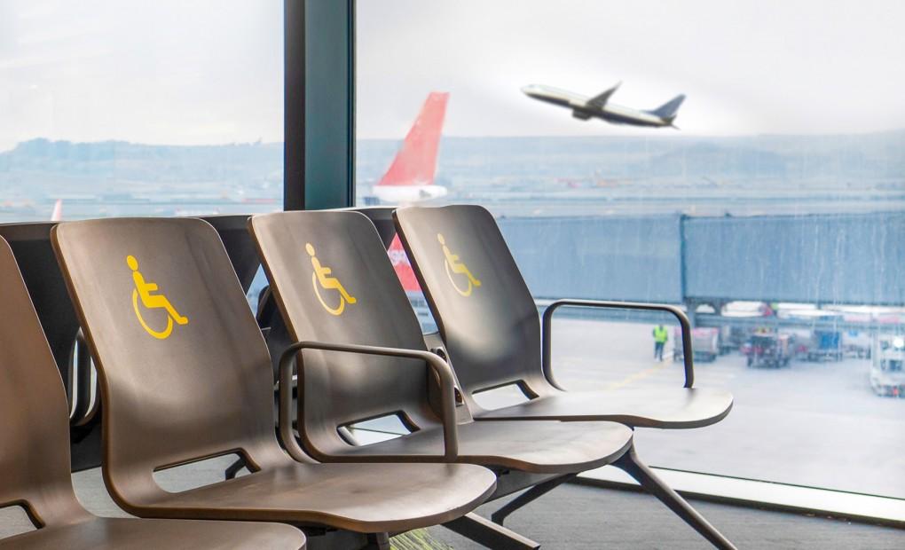 PCD pode viajar sozinha de avião?