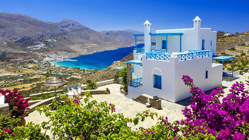 Vista para a Praia de Aegiali, na ilha de Amorgos
